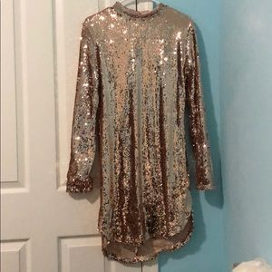 Backless, long sleeve gold sequin mini dress